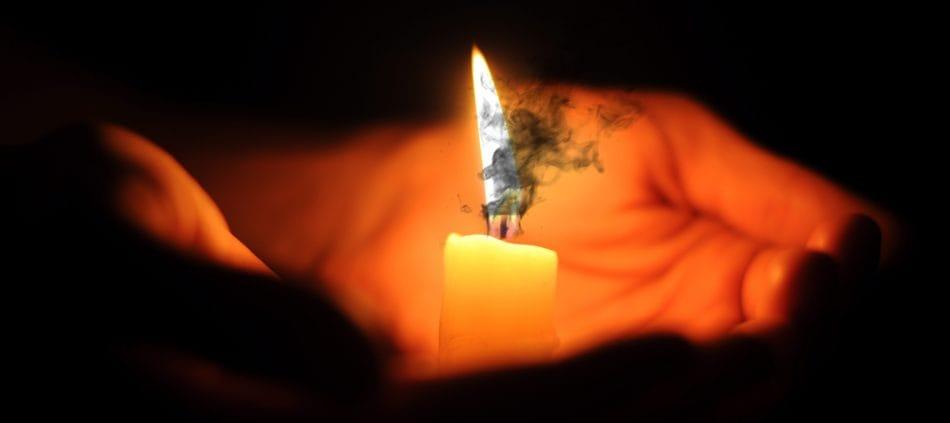 Чистка и снятие порчи с помощью огня