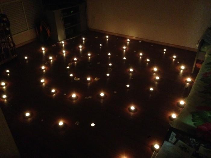 Чтобы снять приворот с помощью свечей. Сделайте защитный круг